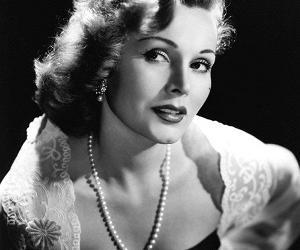 Biểu tượng sắc đẹp Hollywood một thời qua đời ở tuổi 99 với 9 đời chồng Zsa Zsa Gabor